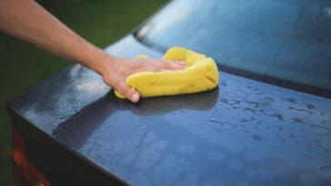 Cómo quitar resina del coche