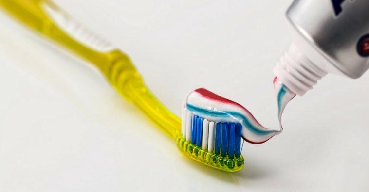 trucos de belleza con pasta de dientes