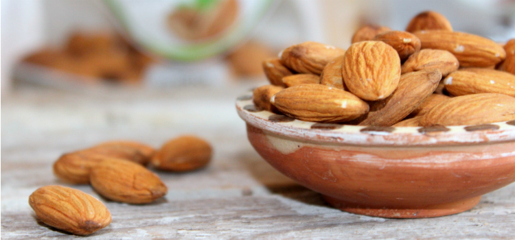 alimentos para prevenir la osteoporosis almendras