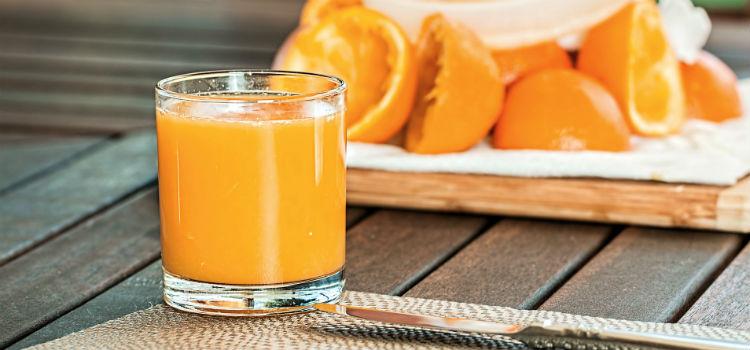 truques de beleza de suco de laranja para cabelo